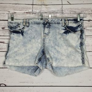 Amethyst 22 acid wash shorts